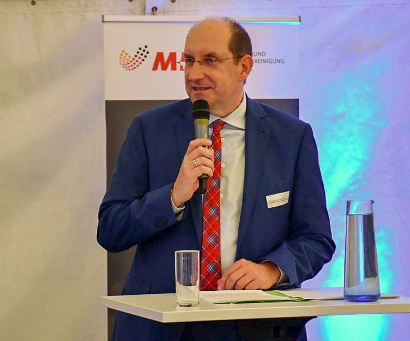 Matthias Wunderling-Weilbier referierte über das Amt für regionale Landesentwicklung mit seinen aktuellen Projekten und Förderungen.