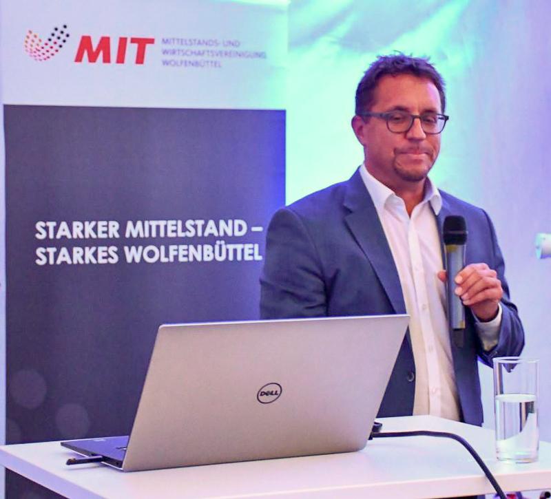 Tobias Joppe informierte als Business-Manager umfassend über die Angebote der Zühlke Group.